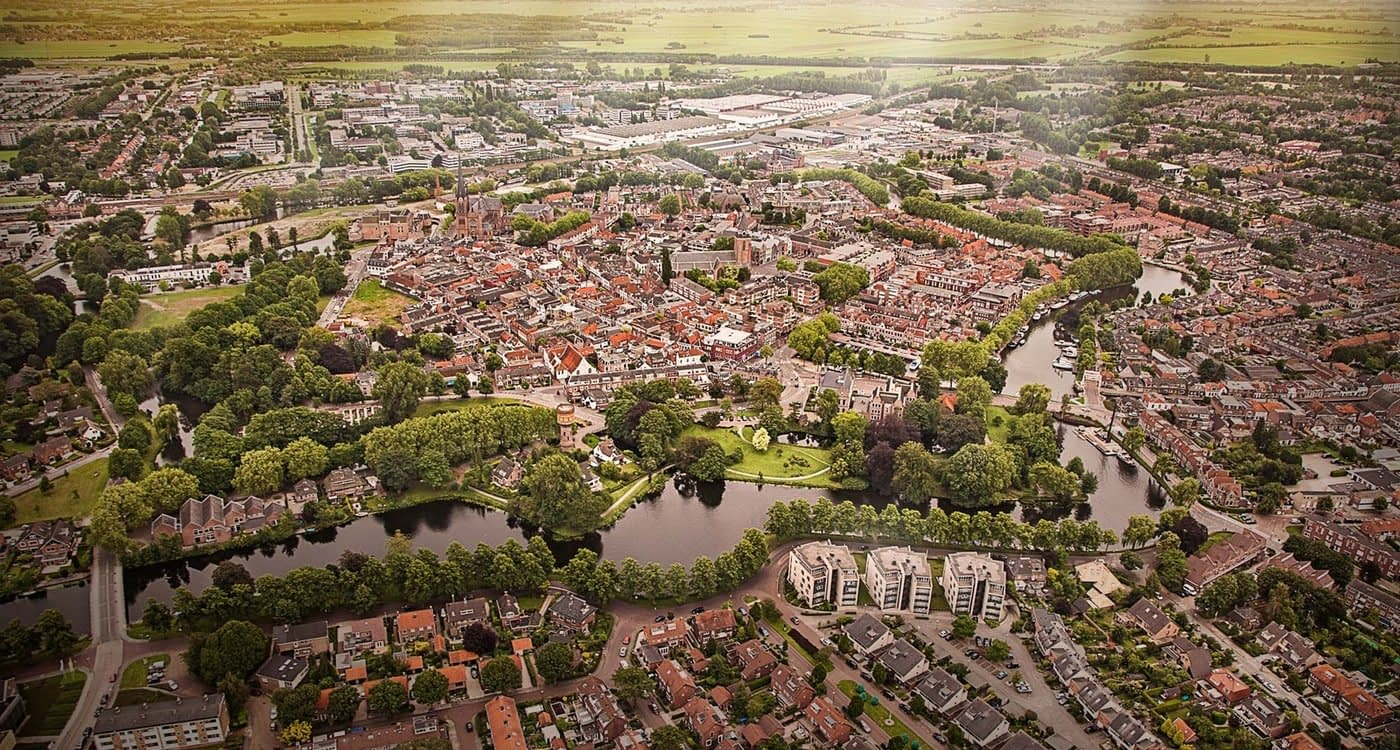 Village feeling in Dutch city Woerden, Utrecht region. Copyright: Woerden Marketing